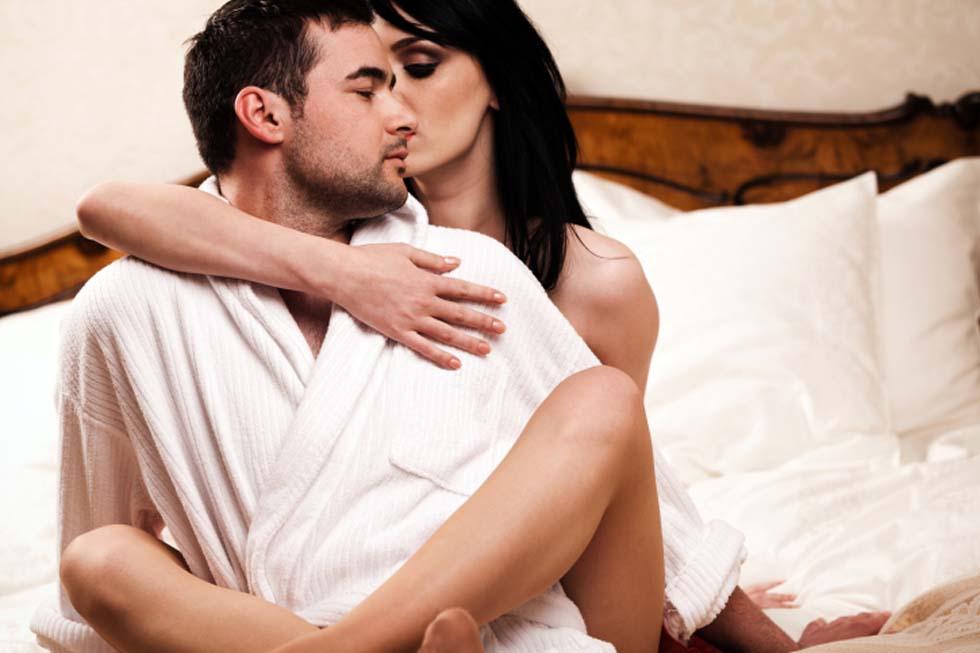 fare sesso nel letto massaggio erogeno