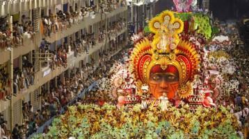 Al Carnevale di Rio col preservativo