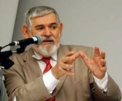 Don Luiz Couto: sospeso perché difende omosessuali e uso del preservativo